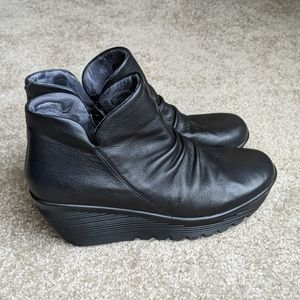 Skechers Parallel platform leather ankle boots 8.5